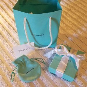 {Tiffany &Co.} Gift Set